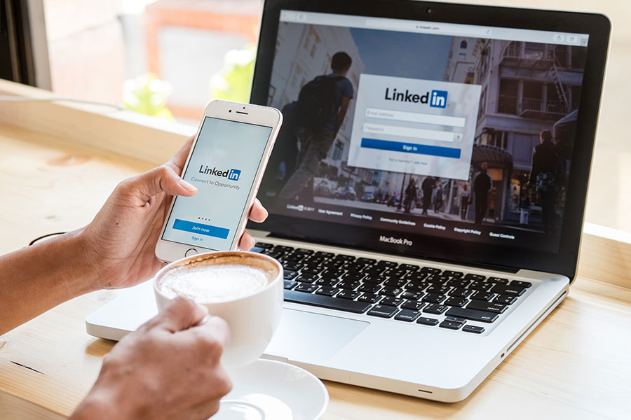 Using LinkedIn to Maximize the Visibility of Your Content (Without Paid Ads)